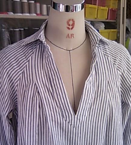 台襟付きシャツカラーのデザインを変更します